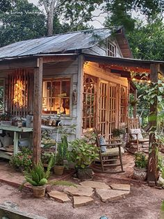 Jennys adorable potting shed made with reclaimed building materials Living Vintage Love this and would add and island and more shelves Shed Conversion Ideas, Carport Modern, Gazebo, Pergola Roof, Pergola Kits, Pergola Ideas, Backyard Ideas, Reclaimed Building Materials, Recycled Materials