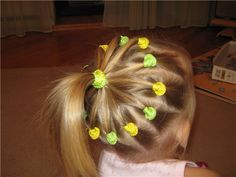 These 11 easy hairstyles for little girls take only 5 minutes or less from start to finish. They are so simple easy little girl hairstyles. Easy Little Girl Hairstyles, Loose Hairstyles, Latest Hairstyles, Braided Hairstyles, Beautiful Hairstyle For Girl, Beautiful Hairstyles, Meme Costume, Hair Due, Braids With Weave