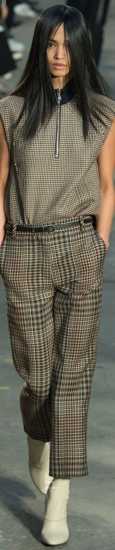 Phillip Lim Collection Fall 2016 Ready-to-Wear women fashion outfit clothing style apparel closet ideas Fall Fashion Outfits, Mode Outfits, Autumn Fashion, Womens Fashion, Tartan, Plaid, Moda Chic, Moda Paris, Tweed
