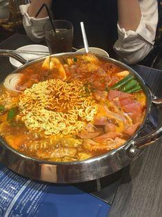 Korean Street Food, Korean Food, K Food, Food Porn, Tumblr Food, Food Platters, Food Goals, Easy Family Meals, Aesthetic Food