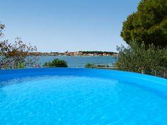 Appartement aan zee in Kroatië. Outdoor Decor, Home Decor, Interior Design, Home Interior Design, Home Decoration, Decoration Home, Interior Decorating