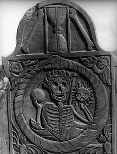 Gravestone dated 1776, Suzanna;  Massachusetts, U. S.
