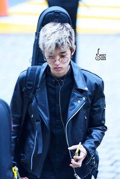 "161114 Jae #day6 ""sweet park | do not edit."""