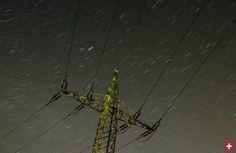 Ein Strommast steht vor einer Hochspannungsleitung: Protest ist eingepreist