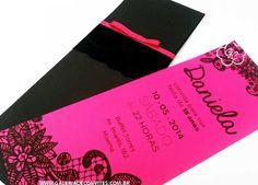 Convite debutante renda. Convite para festa de 15 anos com renda aplicada no envelope. Convite impresso em papel pink e renda preta como o envelope.