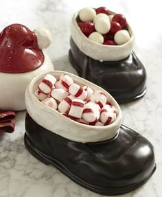 santa boot snack bowls  http://rstyle.me/n/uc2zepdpe