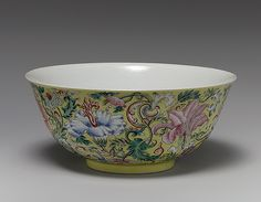 Bowl, Qing dynasty, Daoguang mark and period (1821–50)  China  Porcelain painted…