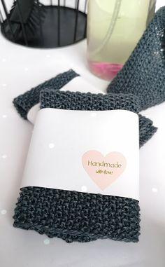 Ideatasku: kranssit Christmas Gift Wrapping, Christmas Gifts, Wraps, Handmade, Xmas Gifts, Christmas Presents, Hand Made, Rolls, Rap