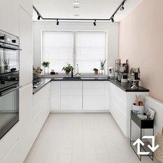 Stairs & chest of drawers - ikeaen Rustic Kitchen, Kitchen Decor, Minimal Kitchen Design, Ikea Play Kitchen, Kitchen On A Budget, Kitchen Interior, Home Kitchens, Kitchen Remodel, Sweet Home