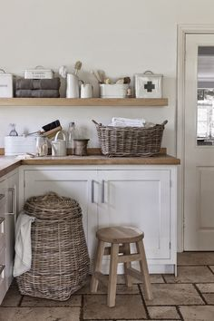Shabby chic or vintage laundry rooms bring a touch of soft country charm to your home. With the pretty vintage laundry room decor ideas on this list, Laundry Room Design, Laundry In Bathroom, Small Laundry, Basement Laundry, Laundry Closet, Vintage Laundry Rooms, Laundry Shelves, Oak Shelves, Laundry Storage