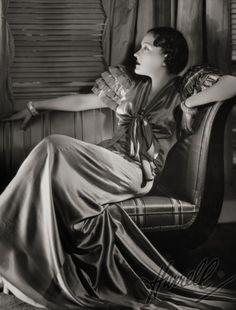 Gloria Swanson  George Hurrell  #portrait