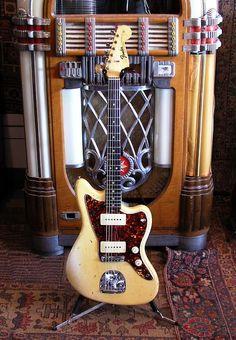 frettedchordophones: frettedchordophones: 1965 Fender Jazzmaster Olympic White. Lardys Chordophone of the day - a year ago ==Lardys Chordophone of the day - 2 years ago --- https://www.pinterest.com/lardyfatboy/