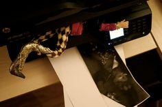 Notre lutin Gourmando figé dans l'imprimante. Elf On The Shelf, Olaf, Tours, Crafts, Santa Fe, Advent, New Ideas, Crafting, Diy Crafts