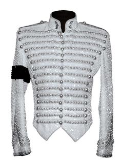 Michael Bush, together with Dennis Tompkins, designed outfits for Michael Jackson for more than 25 years. In his new book The King of Style (Insight Edit. Michael Jackson Jacket, Michael Jackson Outfits, Michael Jackson Merchandise, Michael Jackson Dance, Military Inspired Fashion, Military Fashion, Michael Jackson Bailando, 3d T Shirts, Cosplay Outfits