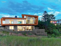 Bauhaus-Style Cape Cod House Gets A Guesthouse by Hariri & Hariri