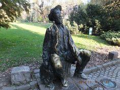 Сербия, Нови Сад. Городская скульптура, к ней все приходят за удачей.