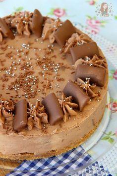 No-Bake Daim Bar Cheesecake!! A Chocolatey, Caramelly & Almond No-Bake Cheesecake, all based around the wondrous Daim Bar!