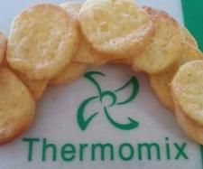 Recipe 4 Ingredient Cheese Crackers by MTR My Thermie Rules, learn to make this recipe easily in your kitchen machine and discover other Thermomix recipes in Baking - savoury. Lunch Box Recipes, Baby Food Recipes, Cookie Recipes, Lunchbox Ideas, Thermomix Bread, Thermomix Desserts, Savoury Slice, Bellini Recipe, Savoury Biscuits