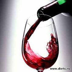 """""""Чесночный ликер от кучи болезней"""".... В прозрачную бутылку положить 12 зубчиков чеснока, каждый разделенный на 4 части. Залить тремя стаканами красного вина. Закрыть и поставить на окно, на Солнце на две недели. Каждый день взбалтывать 2 - 3 раза. По окончании срока, процедить и перелить в темную бутылку. Принимать этот ликер необходимо по чайной ложке три раза в день в течении месяца."""