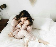 Find images and videos about cute, baby and family on We Heart It - the app to get lost in what you love. Cute Baby Girl, Baby Love, Cute Babies, Baby Kids, Family Day, Family Goals, Family Life, Norman Reedus, Mother And Child