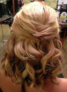 Love Wedding hairstyles for medium length hair? wanna give your hair a new look ? Wedding hairstyles for medium length hair is a good choice for you. Here you will find some super sexy Wedding hairstyles for medium length hair, Find the best one for you, Updos For Medium Length Hair, Wedding Hairstyles For Medium Hair, Wedding Hairstyles Half Up Half Down, Wedding Hair Down, Wedding Hair And Makeup, Down Hairstyles, Medium Hair Styles, Curly Hair Styles, Half Updo