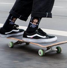 Deus Abençoe o Role Preta - Bolovo Moda Skate, Look Skater, Skate Boy, Vans Skate, Skate Photos, Mode Grunge, Skater Girl Outfits, Skate Style, Shaquille O'neal