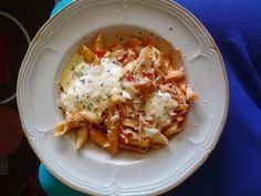 Better Than Olive Garden Alfredo Sauce   Definitely a dish you would want to impress your guest with.