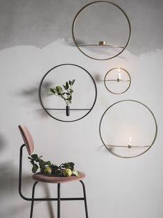 De er enkle, fine og dekorative - både på bordet, gulvet og væggen.