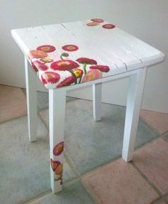 I will show you how to decoupage a lovely jars from. I used decoupage glue and paper napkins. Funky Furniture, Decoupage Furniture, Paint Furniture, Diy Furniture, Painted Chairs, Painted Furniture, Furniture Restoration, Redo Furniture, Refinishing Furniture