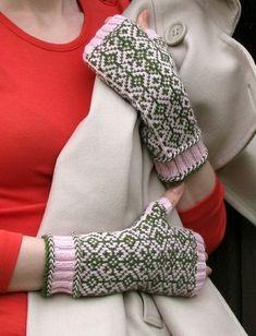 kämmekkäät: vanamo @ www.ullaneule.net Fingerless Gloves, Arm Warmers, Fashion, Fingerless Mitts, Moda, Fashion Styles, Fingerless Mittens, Fashion Illustrations