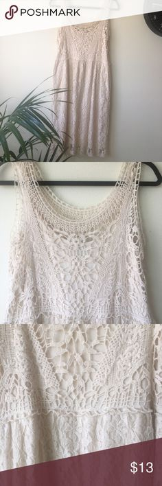"Lace dress Spense sleeveless lace dress cream color / off white size:8 good condition!  Length:  42""  bust:10,5"" Spense Dresses Midi"