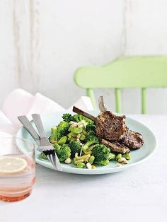 Michelle Bridges - Lamb cutlets and broccoli, broad beans and almonds. Looks good Healthy Mummy Recipes, Clean Recipes, Wine Recipes, Healthy Snacks, Cooking Recipes, Healthy Cooking, Healthy Eating, Healthy Plate, Clean Eating