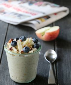 Kjøleskapgrøt med eple Granola, Nom Nom, Oatmeal, Pudding, Healthy Recipes, Healthy Food, Lunch, Snacks, Baking