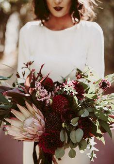 Gloomy 45+ Beautiful Protea Wedding Bouquet Ideas https://oosile.com/45-beautiful-protea-wedding-bouquet-ideas-13188
