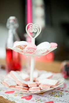 shooting d'inspiration saint valentin, rouge, red, fleurs, candy bar