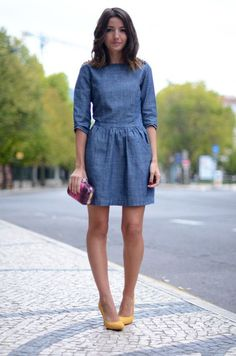 Suiteblanco Denim Dress, Preppy Purple Clutch, Zara Shoes // During Lisbon fashion week by Alexandra Per Just got me this outfit ; Chambray Dress, Jeans Dress, Denim Dresses, Denim Skirts, Jean Dress Outfits, Long Denim Dress, Womens Denim Dress, Denim Outfits, Seersucker Dress