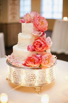wedding cake and coral peonies
