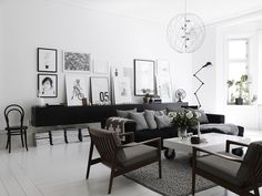 Lotta-Agaton-Pia-Ulin-Stockholm-home-interior-Scandinavian-style-white-black-living-room