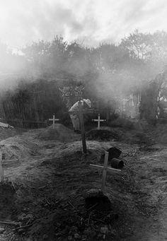 Cementerio by Graciela Iturbide