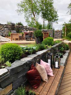 TV GARDEN DESIGN – TV2 2021 Outdoor Sofa, Outdoor Furniture, Outdoor Decor, Back Gardens, Shades Of Green, Green Colors, Design Inspiration, Garden Ideas, Porch