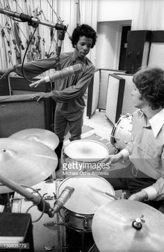 Drummer Gregg Errico and musician Sly Stone of the psychedelic soul group 'Sly And The Family Stone' work on an album for the 'Spaulding Wood Affair'. Sly Stone, Funk Bands, The Family Stone, Vintage Black Glamour, Soul Funk, Stone Pictures, Stone Work, Soul Music, Record Producer