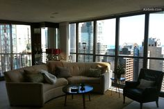 2BR/2BA Penthouse VIEWS Mag Mile in Chicago