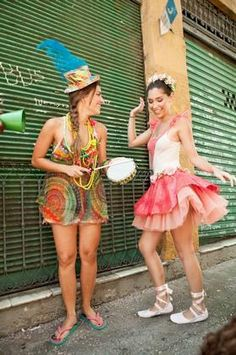 Carnival ... music everywhere! www.brazilianbikinishop.com/en/