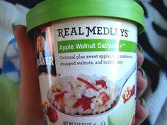 Quaker #RealMedleys Apple Walnut Oatmeal. #HolidayVoxBox