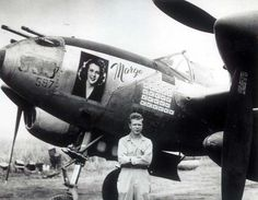 Marge p 38 j lightning captain richard ira bong us ace of aces world war ii ace richard ira bong photographed next to his plane dubbed marge after his wife fandeluxe Gallery