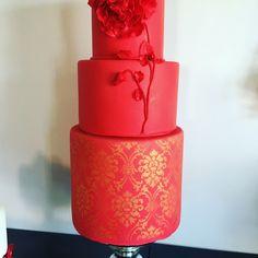 Amazing Cakes, Vase, Home Decor, Decoration Home, Room Decor, Vases, Home Interior Design, Home Decoration, Interior Design