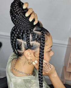 40 simple and trendy braided hairstyles for black women that make perfect protective hairstyles featuring jumbo knotless braids, boho braids and more. Cute Box Braids Hairstyles, Box Braids Hairstyles For Black Women, Dread Hairstyles, Braids For Black Women, Braids For Black Hair, Protective Hairstyles, Protective Styles, Curly Hair Styles, Natural Hair Styles