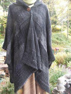 手織りのマント ブラック さをり織り