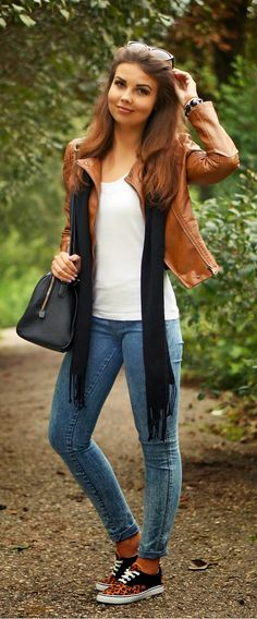 Everyday New Fashion: CAMEL JACKET & JEANS & LEOPARD SHOES