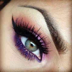Purple & pink Shadow / Green Blue Eye